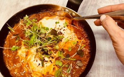 Chilli Baked Eggs (Shakshuka)